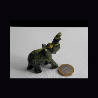 Eléphant en Pierre de Serpentine Verte