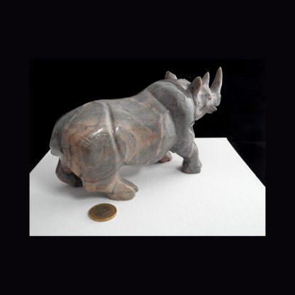 Rhinocéros en Pierre de Dolomite
