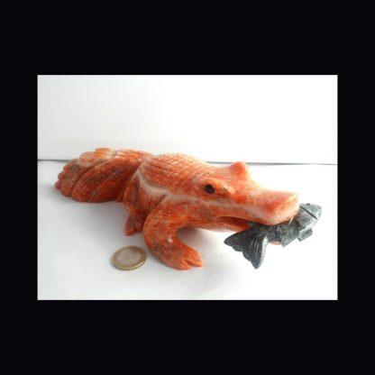 Crocodile en Pierre de Calcite Orange